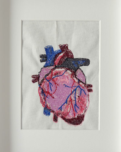 Machinaal geborduurd hart 1